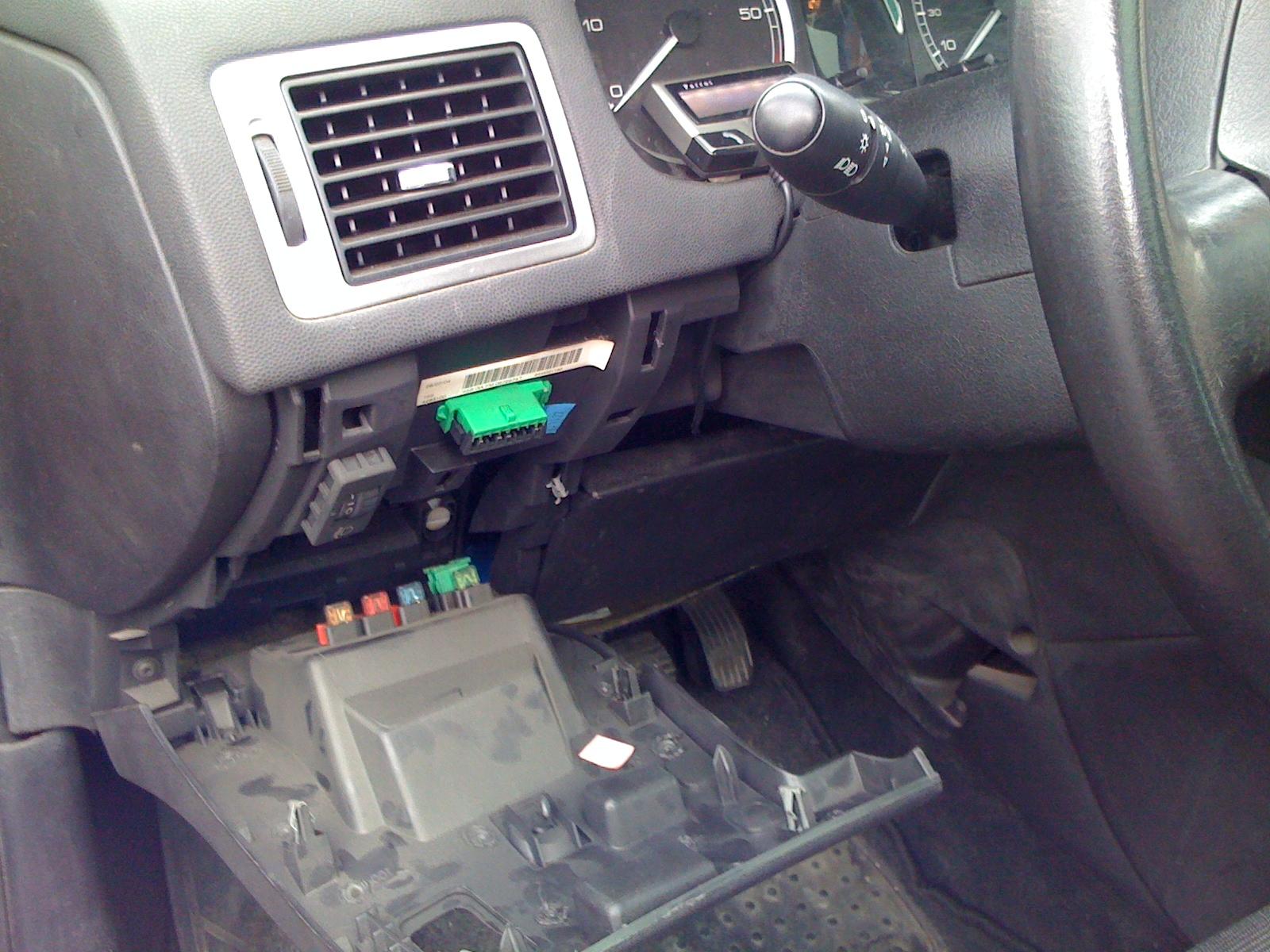 Odbii hablando desde un ordenador con el coche el weblog de ivan ricondo ubanov - Instalar puerto usb en coche ...